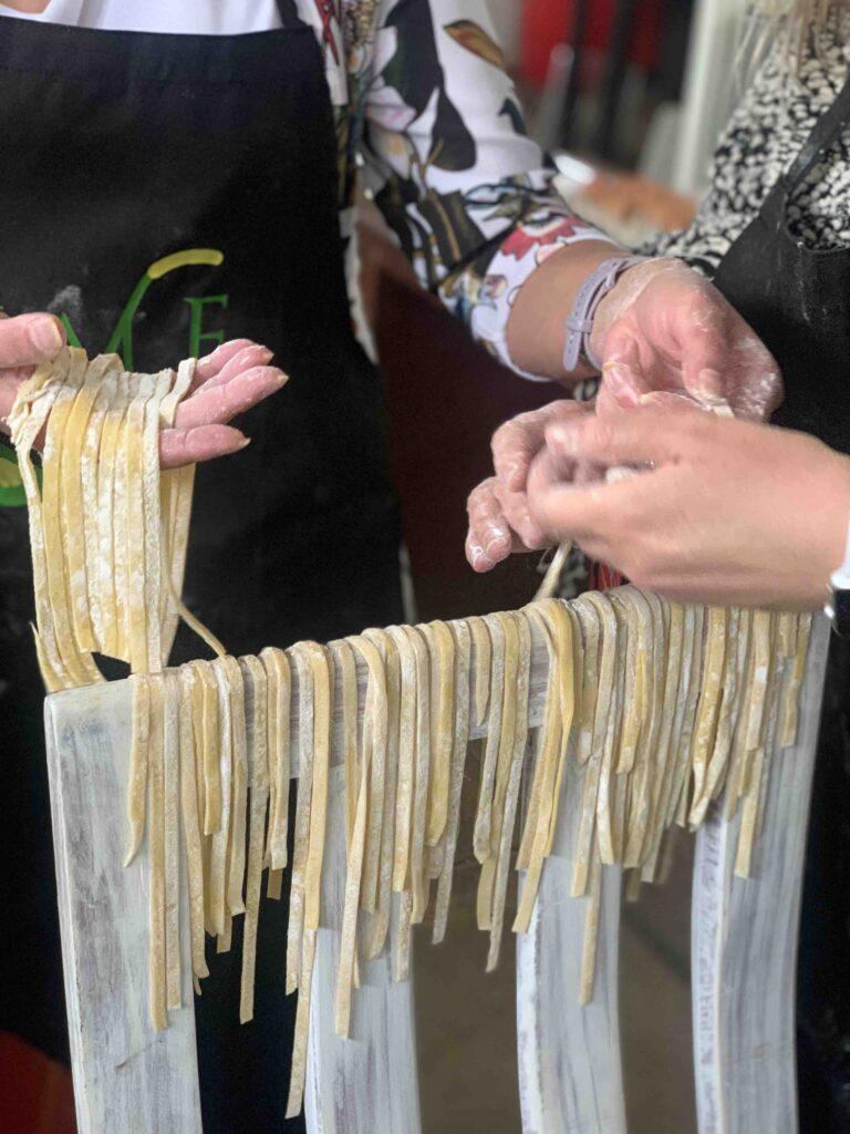 making tagliatelle pasta